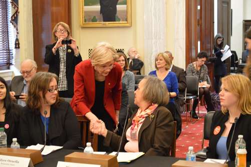 IAM retiree and Alliance for Retired Americans member meets Sen. Elizabeth Warren on Capitol Hill.